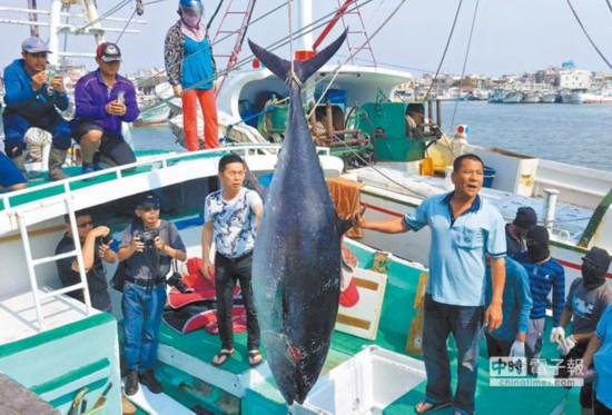 台湾渔民将发动史上最大规模抗争抗议台当局护渔不力捉明星拍照
