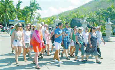 前三季度三亚接待游客逾1550万人次同比增长10.8%