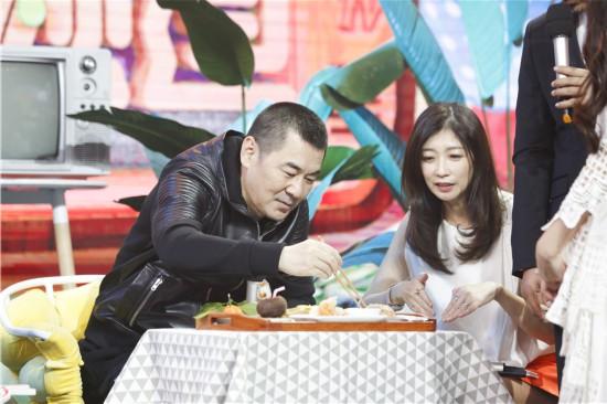 家厨博主吴韵琴吴充李若雯参加《天天向上》录制