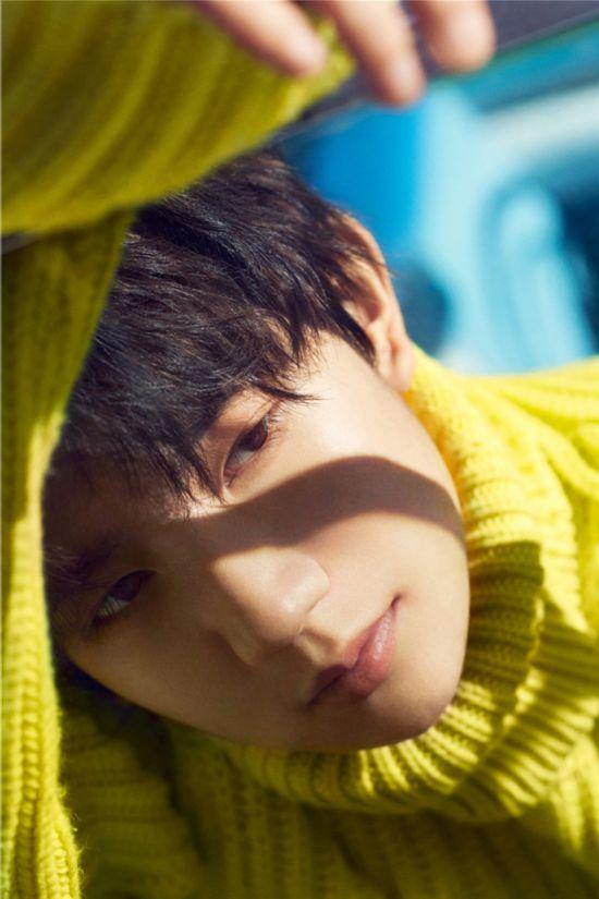 王源新歌《一样》发布 11月8日迎来18岁生日