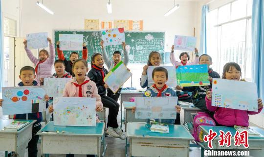 四川青川:留守儿童和他们的爱心午餐直播
