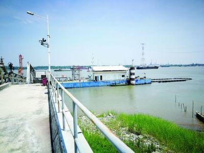 南京栖霞把好港口码头入口关 确保污水不入江