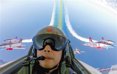 珠海:飞行表演燃爆航展