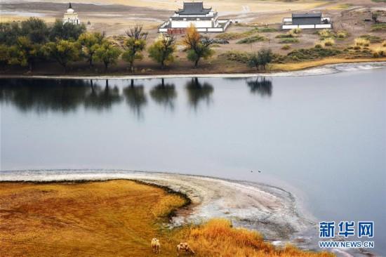 (美丽中国)(1)碧水和流线画出美丽巴丹吉林