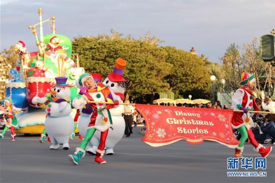 (国际)(7)东京迪士尼举行圣诞巡游