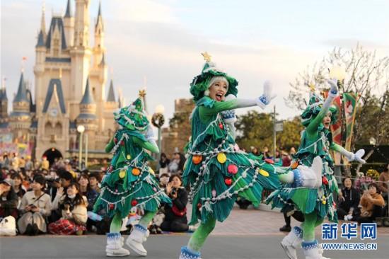 (国际)(5)东京迪士尼举行圣诞巡游