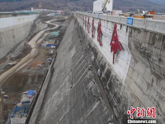 丰满水电站原坝将爆破新坝明年5月投入使用