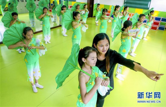 (教育)(2)河北饶阳:社团活动助学生快乐成长