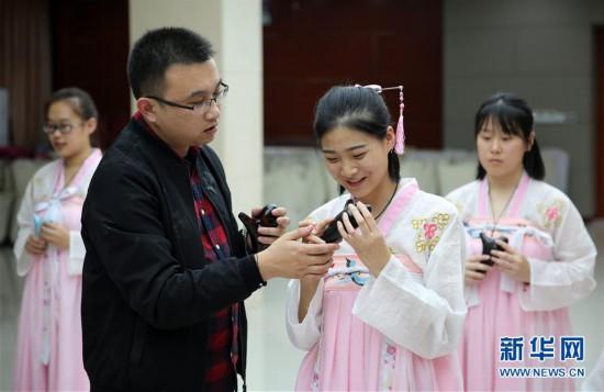 (社会)(1)河北固安:订单式职业教育受欢迎