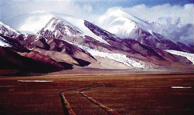 布喀达坂峰:青海最高的山