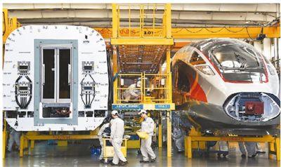 中国高铁驶向世界最高舞台 技术引进服务于自主创新