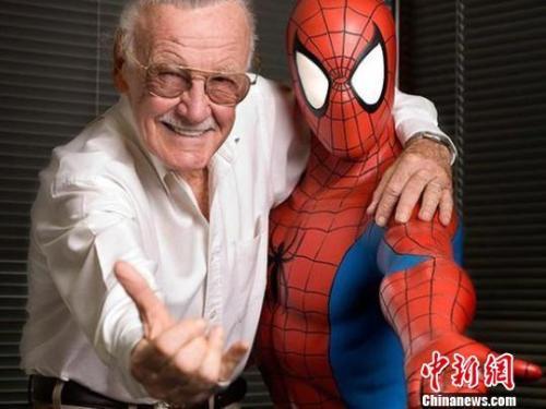 """""""漫威之父""""斯坦・李去世 他的人生远比漫画精彩"""