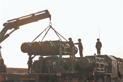 女子导弹连高原实射创5项纪录