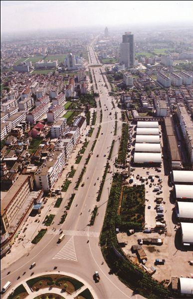 南通海安加快城镇建设 地标变迁