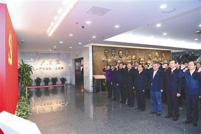 海南上海举行交流座谈会并签署战略合作协议