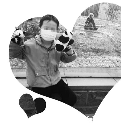 """淮安8岁娃患白血病 爸爸怕""""人财两空""""拒绝治疗"""