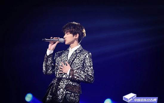 《中国音乐公告牌》王源17岁绝版舞台戳泪