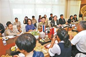 云南新闻媒体代表团与泰国民众联络厅座谈交流