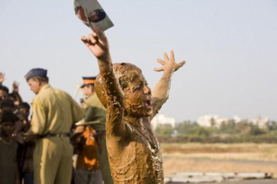 阿米尔汗偶像阿米达普巴强出演《老爸102岁