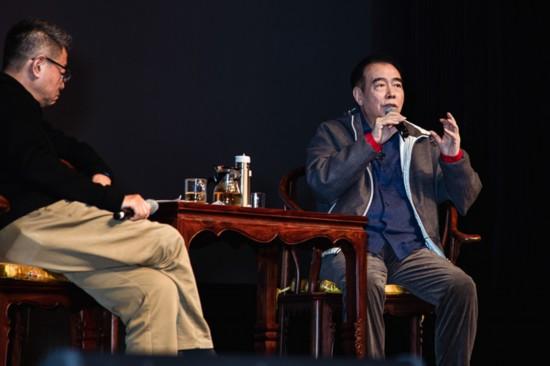 陈凯歌母校开讲忆张国荣 盼电影节关注年轻人