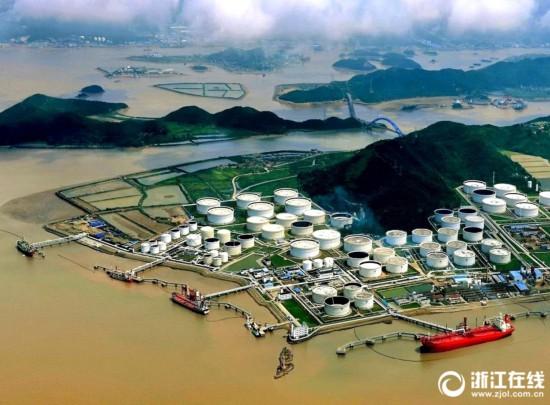 图说40年·对照|舟山岙山荒山滩涂建成千万吨级大港