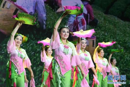福建省第二届广场舞蹈大赛总决赛在福州举行