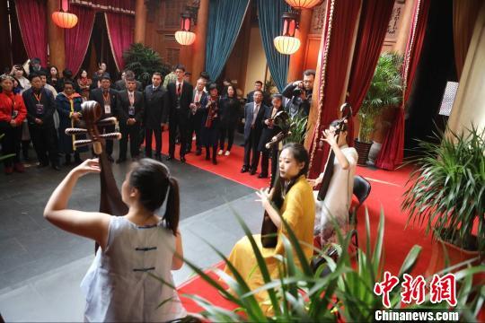中国国际乐器交流博览会暨第二届商贸与文化交流国际论坛启幕