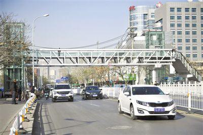 银川市兴庆区胜利街过街天桥基本具备通行条件