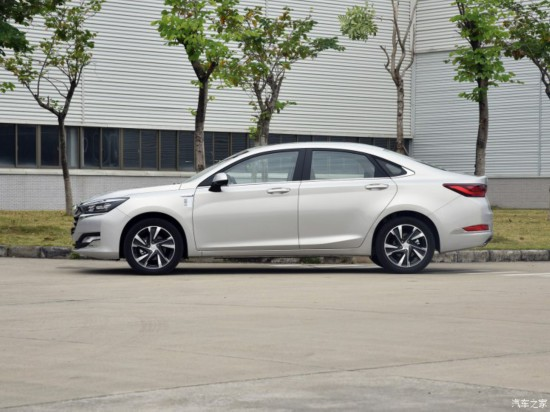 北京汽车 绅宝智道 2019款 260T 自动高配型