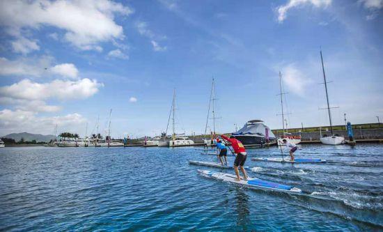 2018全国大学生桨板竞速挑战赛在万宁石梅湾开赛