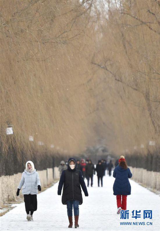(社会)(1)雪霁晨起