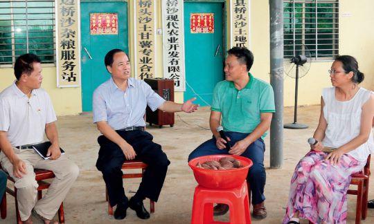 专访海南省委书记、省人大常委会主任刘赐贵 蹄疾步稳开新局