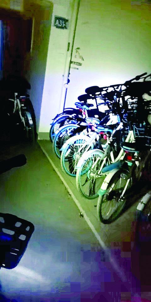 """淮安一人藏了13辆共享单车 或被列入""""黑名单"""""""