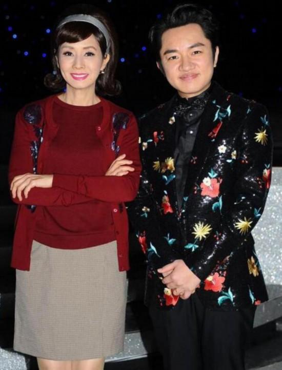 王祖蓝称希望女儿像李亚男 会陪生孩子和剪脐带