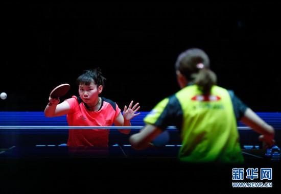 (体育)(4)乒乓球――国际乒联巡回赛总决赛:何卓佳淘汰石川佳纯进四强