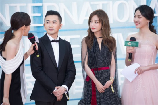 赵薇亮相海南岛国际电影节闭幕式