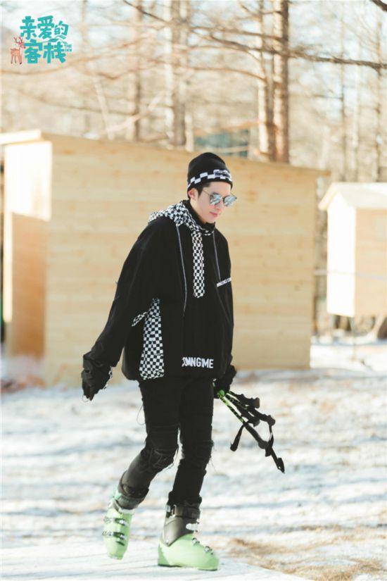 美女馒头�9�NxZ~ZJ~XZ_《客栈2》王鹤棣沈月晋级股东 开发雪地项目