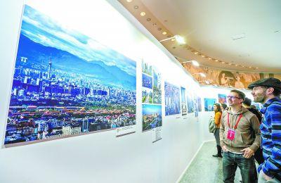 百位外国摄影师定格北京20载变化