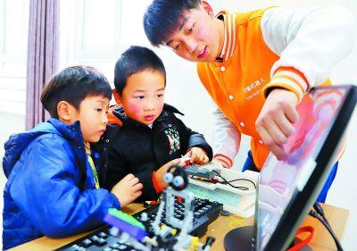 南京高淳村童免费学机器人拼装编程