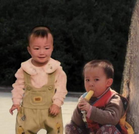 王俊凯晒PS照为董子健庆生 意外提供表情包素材