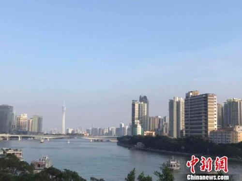 资料图:广州市珠江沿岸。许青青 摄