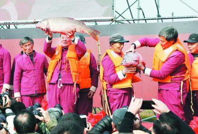 南京溧水举办捕捞节 传承千年渔家文化