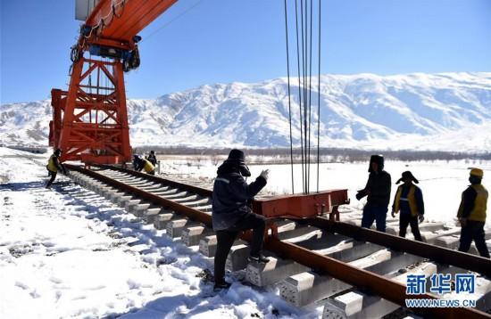 冰天雪地 川藏铁路拉林段施工持续进行