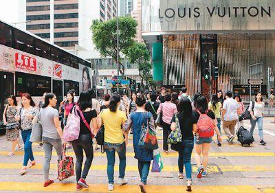 "<strong>2018年访港旅客人数创4年新高 ""一桥一铁""创造香港旅</strong>"