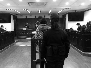 女童被亲妈打进重症监护室 法院判处妈妈缓刑