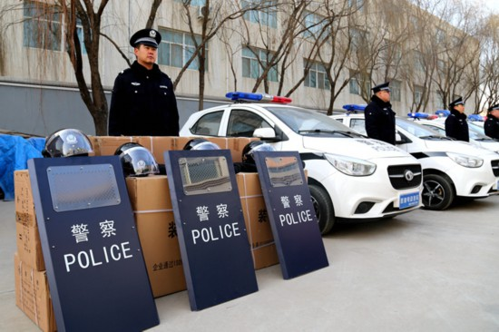 公安部支援闽宁镇公安执法执勤装备182件