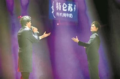 《声入人心》舞台上唱响《剧院魅影》 郑云龙阿云嘎合作向经典音乐剧致敬