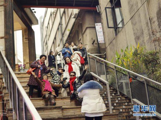 重庆老街游升温