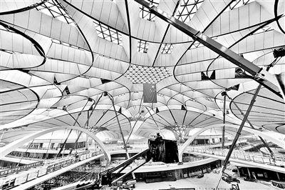 北京大兴国际机场内装修完成80%地下一层可换乘高铁地铁