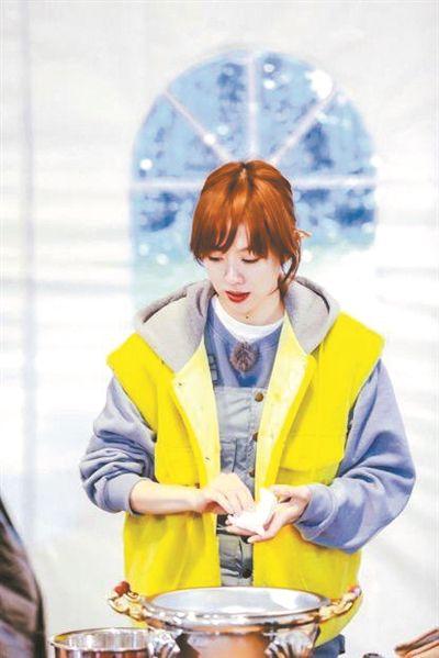 姜妍常驻《野生厨房》感受生活之美